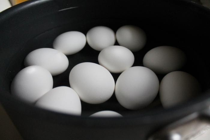 12 Eggs