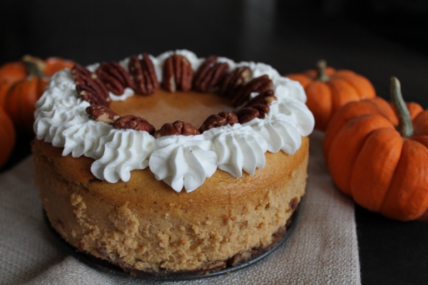 Pumpkin Cheesecake with Pecan Gingersnap Crust