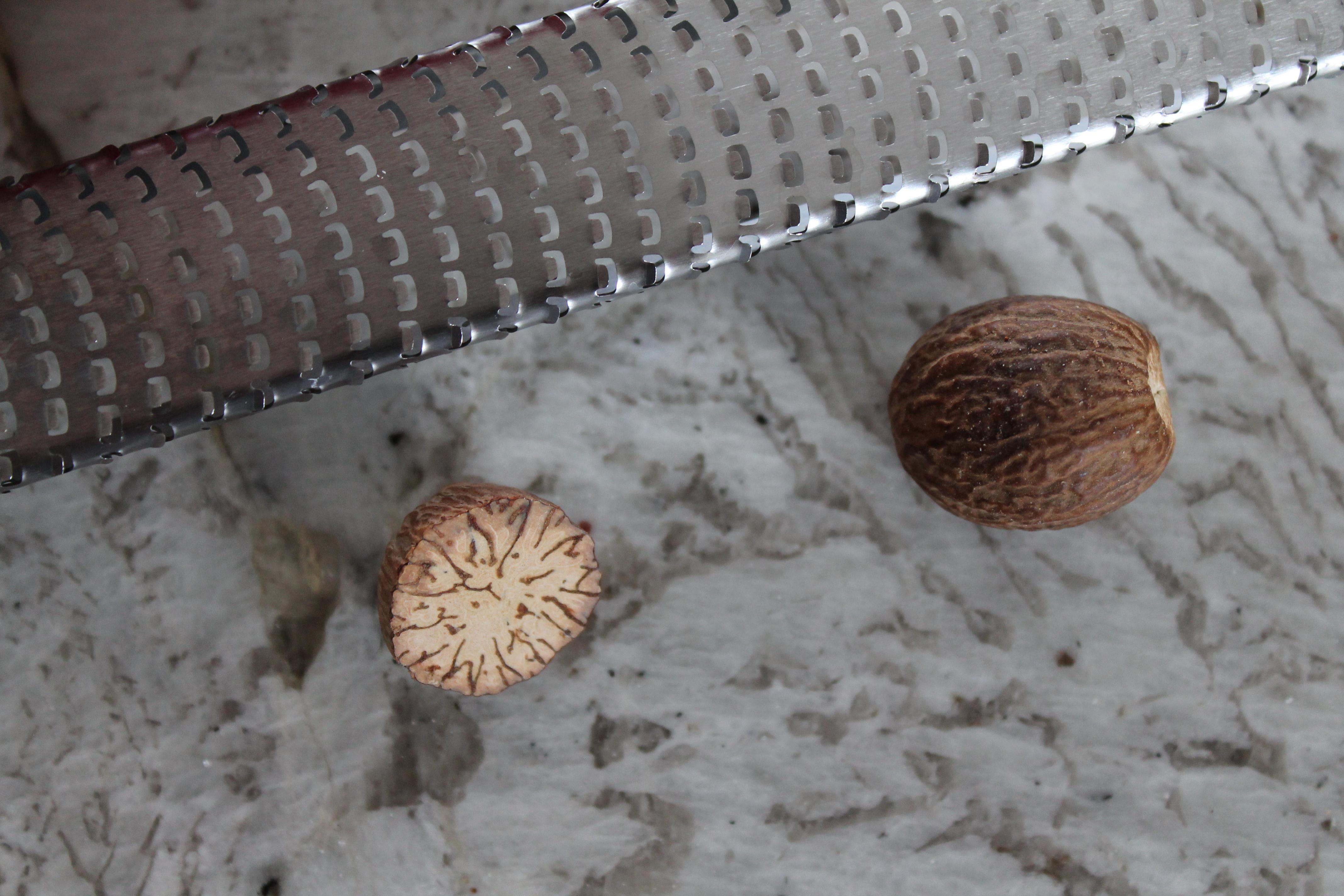 Maple Nutmeg Butter Cookies | Smells Like Brownies
